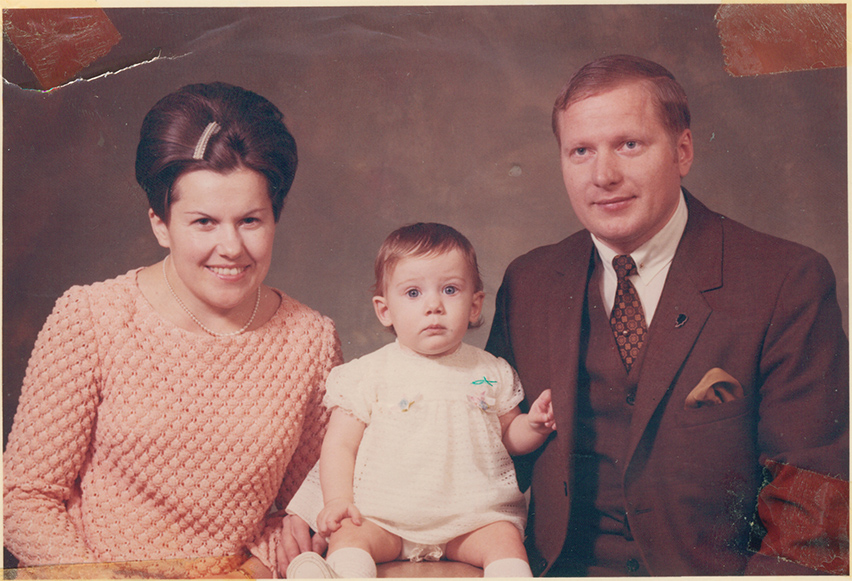 Dad,_mom_and_me_1968